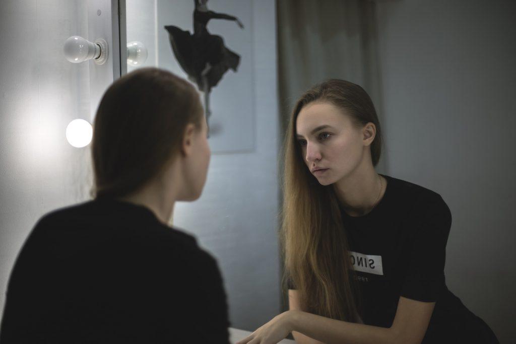 Wieczorna pielęgnacja twarzy - Farmonaprofessional.pl